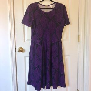 Lularoe Amelia Dress with Leaf Print and Pockets!